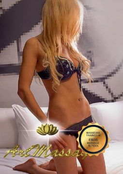 erotic slim masseuse barcelona